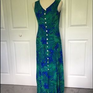 Maxi Summer Dress with mother of pearl buttons